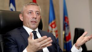 Chủ tịch LĐBĐ Serbia nhiễm virus corona