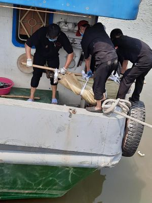 Thêm một nạn nhân tử vong trong vụ cháy tàu trên sông Đồng Nai