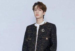 Vương Nhất Bác nhiều lần mặc đồ con gái, có áo Chanel giá 9.000 USD