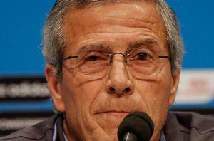 Sốc: Hết tiền vì COVID-19, Uruguay trảm HLV trưởng đội tuyển