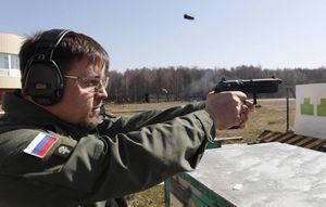 Quân đội Nga phát triển súng lục xuyên giáp uy lực hàng đầu thế giới