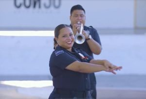 Video cảnh sát Mexico chung tay với cộng đồng phòng, chống đại dịch Covid-19
