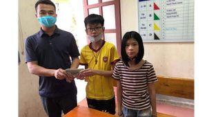 Học sinh trả lại 50 triệu đồng cho người đánh rơi, nhận bằng khen của Bộ trưởng