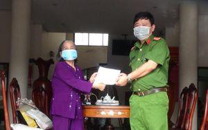 Cụ bà 70 tuổi mang tiền dành dụm đóng góp phòng, chống dịch