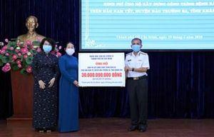 Trao kinh phí hỗ trợ xây dựng công trình Bệnh xá đảo Nam Yết