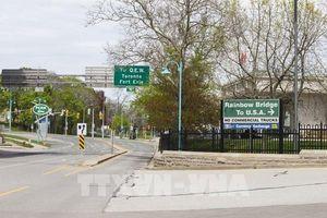 Canada và Mỹ tiếp tục đóng cửa đường biên giới do dịch COVID-19