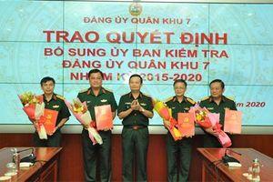 Công bố quyết định của Thường vụ Quân ủy Trung ương về công tác cán bộ