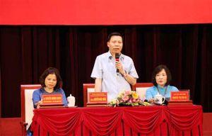 Lãnh đạo tỉnh Bắc Ninh đối thoại với công nhân lao động