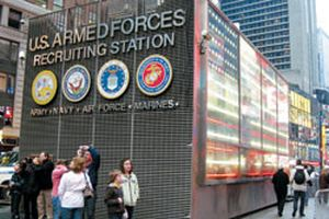 Quân đội Mỹ tuyển người nước ngoài