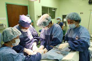 Phẫu thuật hở hàm ếch miễn phí cho 300 em
