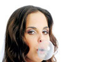 Hồi phục nhanh nhờ nhai kẹo cao su