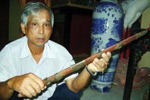 Ly kỳ bảo vật Việt Nam - Thanh kiếm cổ luân lạc