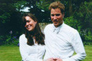 Vợ sắp cưới của Hoàng tử William tinh nghịch trong bức ảnh tuổi thơ
