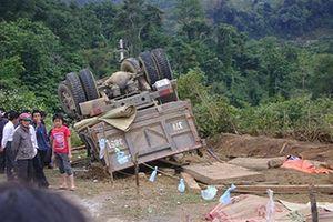 Vụ lật xe gỗ thảm khốc: Bắt khẩn cấp 'sếp' kiểm lâm