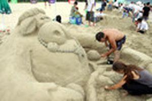 40 đội thi đắp tượng cát tại Công viên biển Đông