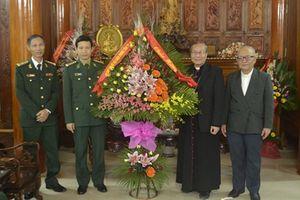 BĐBP tỉnh Thừa Thiên Huế chúc mừng Tòa Tổng giám mục giáo phận Huế nhân dịp Giáng sinh