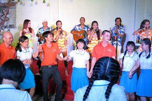 Lãnh sự quán Nam Phi tặng học bổng cho Trường Nguyễn Đình Chiểu