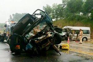Xe dâu gặp nạn kinh hoàng trên cao tốc NB-LC, 9 người thương vong