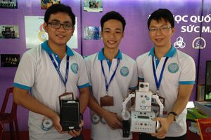 Sáng chế thành công robot thông minh