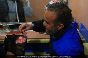 IS phát kẹo cho người dân Syria, ăn mừng vụ đánh bom Brussels