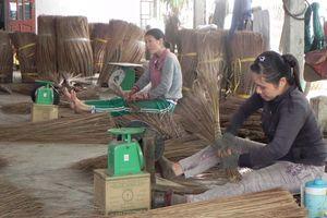 Tự tạo cơ hội: Đổi đời từ cọng dừa