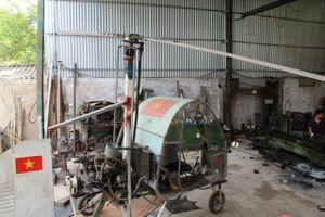 Lão thợ hàn tự chế tạo máy bay trực thăng ''không đụng hàng''