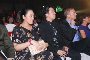 Thanh Bùi công bố vợ mang thai song sinh