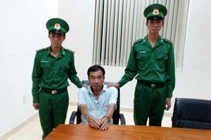 Đồn BPCKQT Mộc Bài bắt đối tượng có lệnh truy nã hơn 16 năm