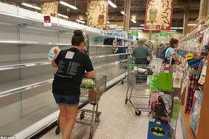 Người Mỹ ồ ạt mua đồ đề phòng siêu bão Matthew