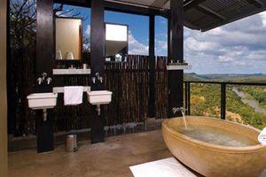 Những phòng tắm khách sạn tráng lệ nhất thế giới