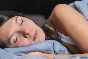 Hay ngủ mơ là dấu hiệu cảnh báo sớm Parkinson