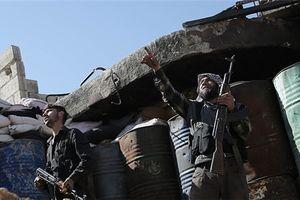 Chiến cơ Syria nã hỏa lực vào tuyến phòng thủ của IS ở Raqqa