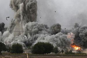 Không quân Syria nhắm vào đoàn xe IS ở Raqqa, khủng bố lãnh đủ