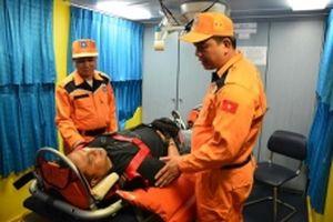 Cứu thành công thuyền viên Indonesia bị bất tỉnh
