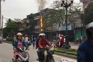 Cột điện liên tục bốc lửa khiến người dân Quảng Ninh lo lắng