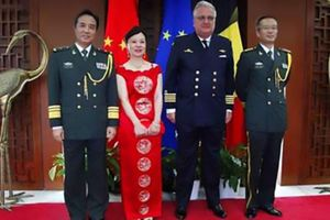 Hoàng tử Bỉ bị cắt bổng lộc vì 'lén' gặp quan chức Trung Quốc