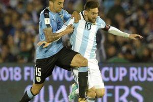 Clip: Messi mờ nhạt, Argentina bị Uruguay 'cưa điểm'