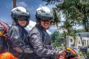 Cặp đôi lái Honda RS150R đi hưởng tuần trăng mật qua 24 nước