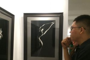 Triển lãm ảnh nude đầu tiên tại Việt Nam