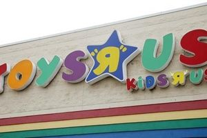 Vì sao chuỗi cửa hàng đồ chơi Toys 'R' Us phải tuyên bố phá sản?