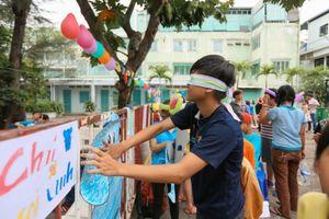 500 trẻ em cơ nhỡ vui chơi thỏa thích ở ngày hội 'Trung thu cho em'