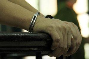 Đang làm thủ tục ly hôn, người phụ nữ bị chồng đâm chết tại tòa