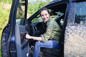Hoa hậu showbiz Trương Kiều Diễm: 'Đâu chỉ đàn ông mới hợp bán tải'