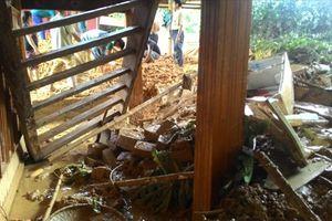 Xót xa cảnh những núi đất đá tàn phá và cô lập nhiều vùng ở Sơn La