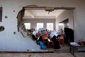 Cận cảnh lớp học trong vùng chiến sự ở Trung Đông