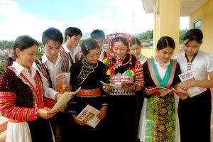 Tổ chức hoạt động trải nghiệm sáng tạo cho học sinh