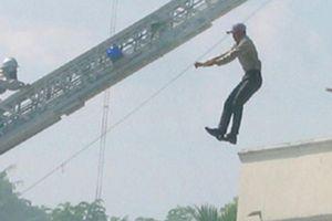 Hải Dương: Nam thanh niên nhảy lầu tự tử