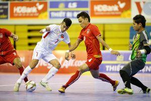 Thua Myanmar ở trận tranh HCĐ, HLV Miguel Rodrigo ví đội bóng của mình như gà mất đầu