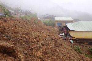 Quảng Nam: Sạt lở nghiêm trọng, 8 người bị vùi lấp