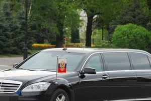 Hé lộ bí mật siêu xe limousine và các phương tiện chở TT Putin khi công du